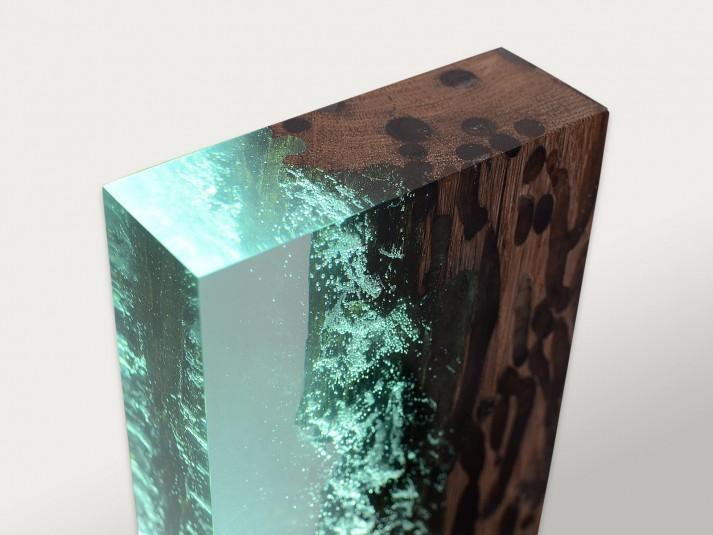 Raw Wood Lamp